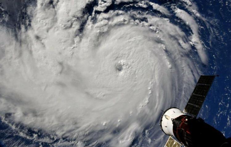 Florence avanza como huracán