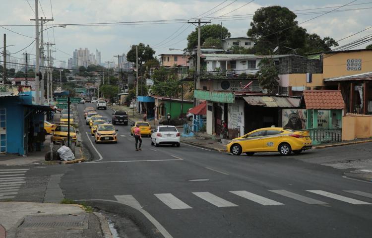 Alcaldía de San Miguelito construirá aceras en Paraíso
