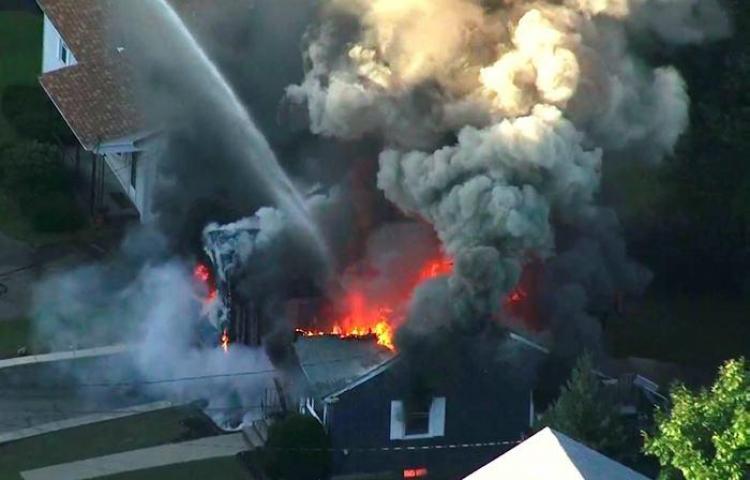 Al menos 23 edificios afectados por una serie de explosiones de gas en EE.UU.