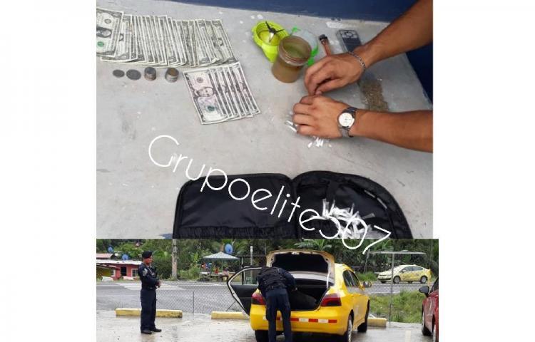 Viajaban en taxi y llevaban presunta droga en bolsa