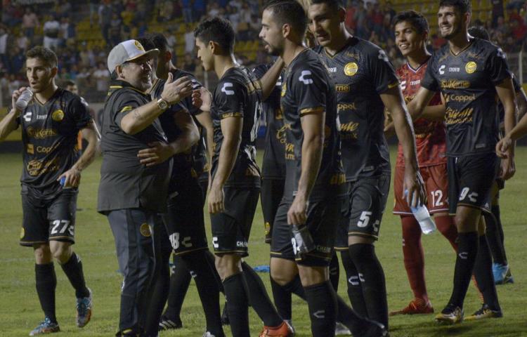 El delirio por Maradona crece en Sinaloa; ya le compusieron un corrido