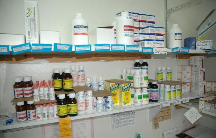 Médicos y pacientes ven 'viable' convenio para adquirir medicinas