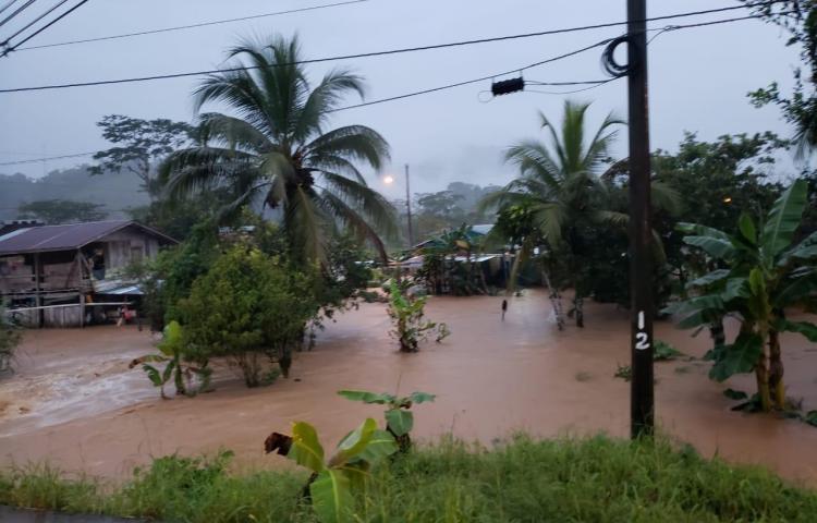 Varias viviendas afectadas por las intensas lluvias en Bocas
