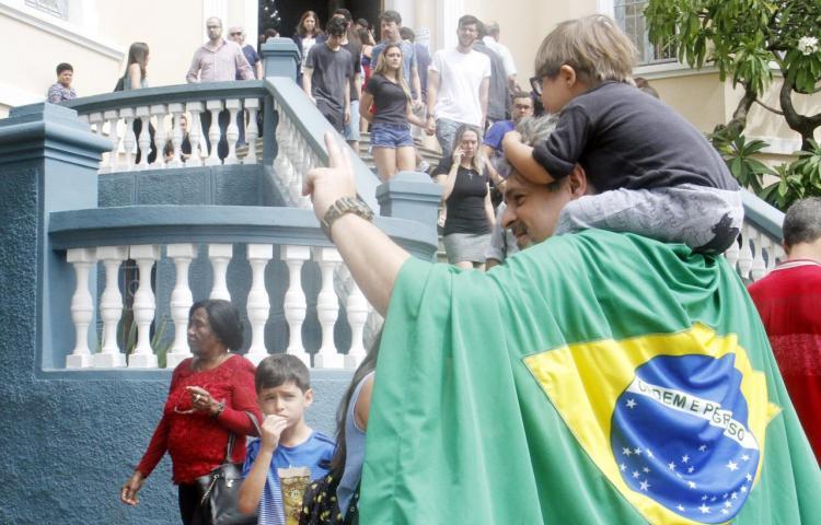 Unos 4.000 brasileños residentes en Paraguay están llamados a las urnas