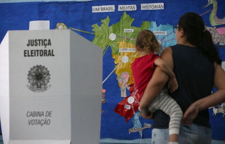 Desmienten rumores sobre fraudes en urnas en Brasil