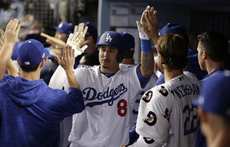 Dodgers avanzan con mucho poder