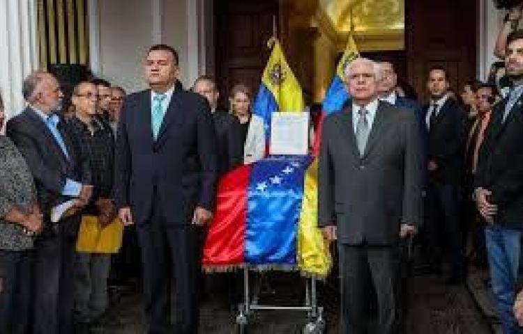 Responsabilizan a Maduro de muerte