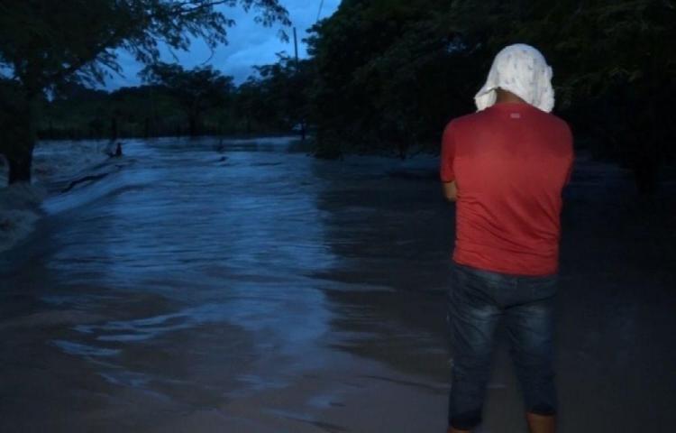 Comunidades incomunicadas por lluvias en Pesé