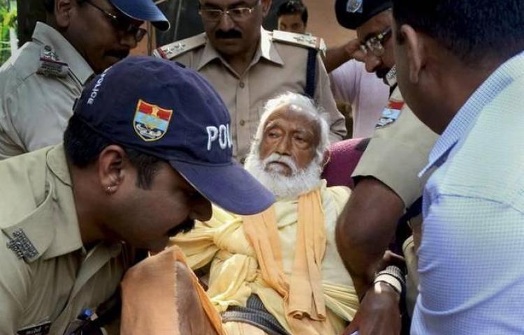 Muere ecologista indio tras 109 días de ayuno en protesta por el río Ganges