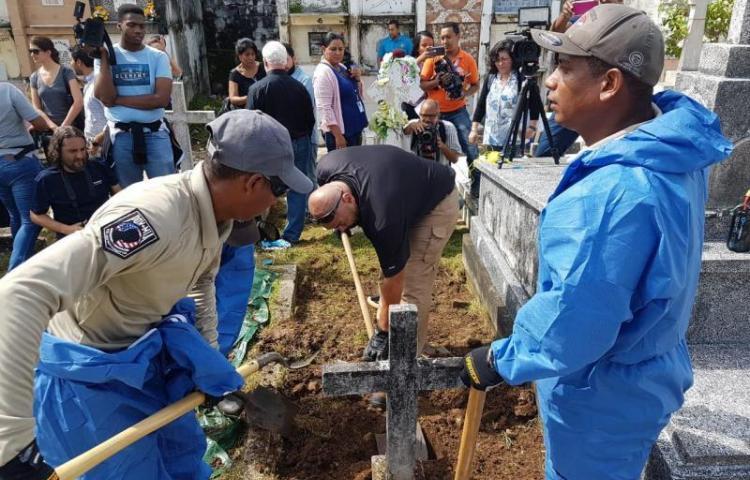 EEUU busca una sepultura digna en Panamá para el inventor submarino moderno
