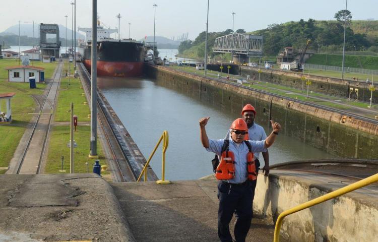 El Canal logra récord de 442.1 millones de toneladas