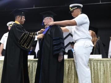 """Embajador de la OMI es distinguido al grado de """"Doctor Honoris Causa"""""""