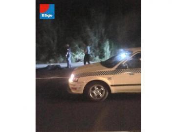 Conductor de auto que iba por el hombro de la vía atropelló a policía