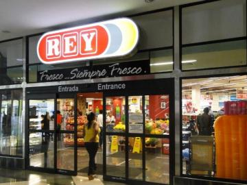 Ecuatorianos controlan acciones de Grupo Rey