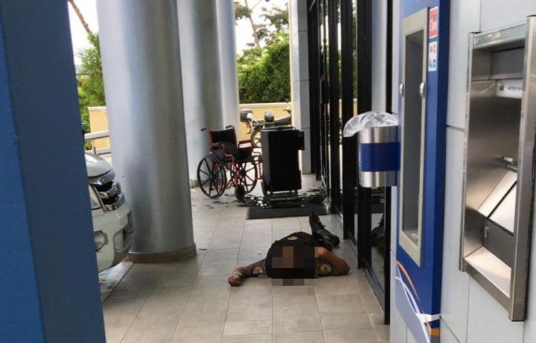 En intento de atraco a banco ladrones matan a seguridad