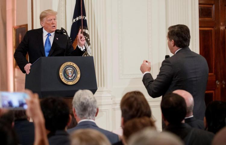 """La Casa Blanca rechaza """"vigorosamente"""" demanda de CNN por vetar a periodista"""