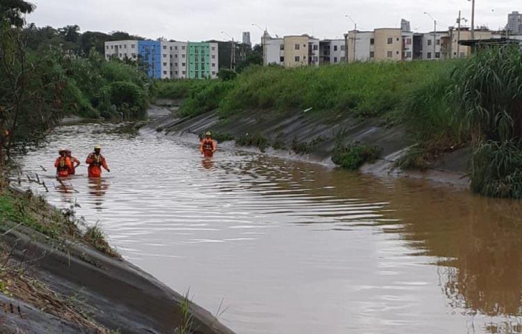 Se fue a bañar al río Curundú y no salió