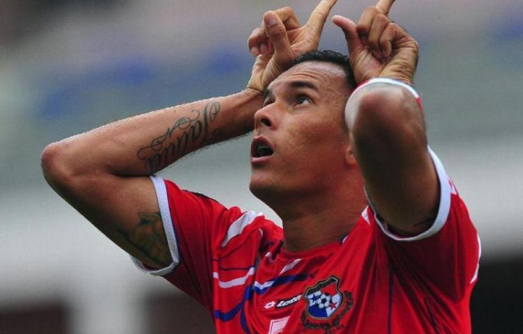 Blas Pérez anuncia su retiro del fútbol