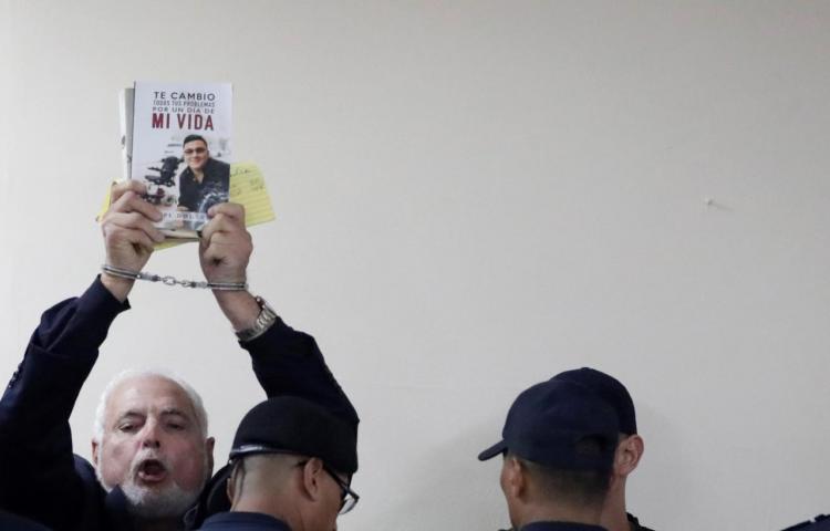 """""""No hay justicia en Panamá"""", grita Martinelli al ser enviado a juicio"""