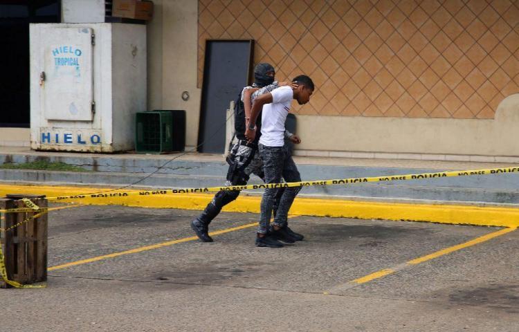 Maleantes se habían robado $700 dólares y tenían un arma