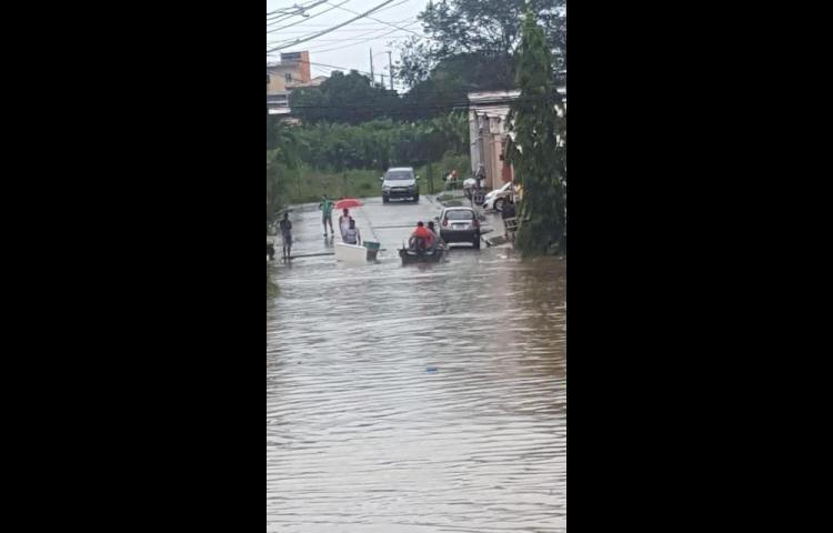 Plaza Valencia, inundada