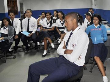 CAF aprueba $325 millones a Panamá para educación y agua
