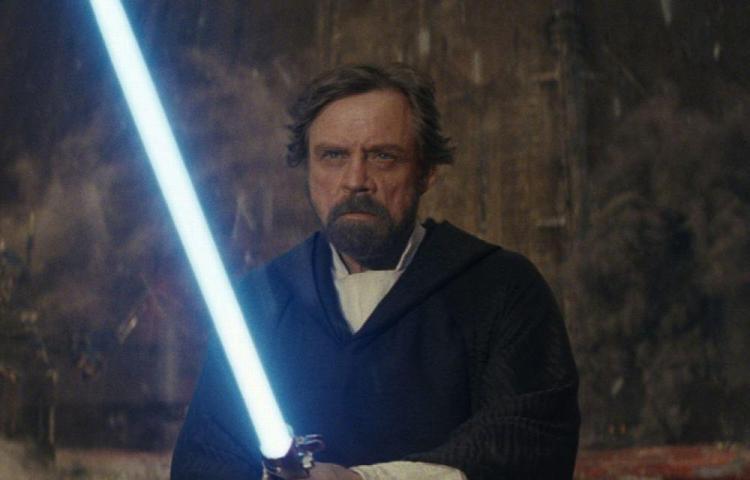 Luke seducido por el lado oscuro, fue arrestado