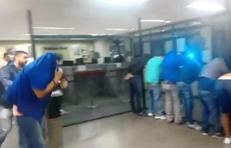 Mueren al menos 12 personas en asalto con rehenes en noreste de Brasil