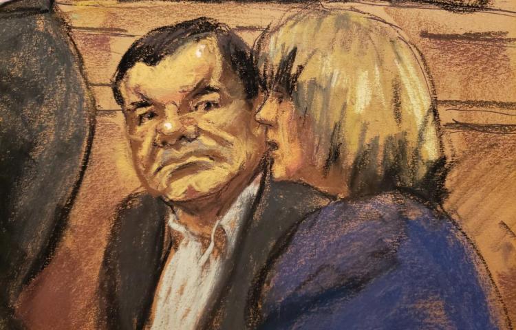 Fiscalía retira moción contra la defensa del Chapo por usar un móvil en Corte