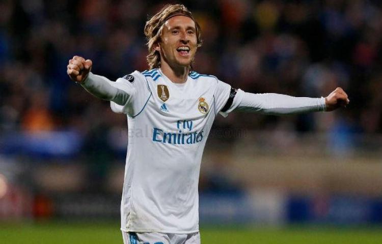 Modric asegura se queda en el Real Madrid hasta cumplir su contrato