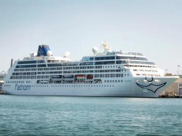 Guardia costera de EEUU suspende búsqueda de pasajero que cayó de un crucero