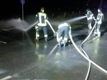 Miles de litros de leche se congelan en carretera alemana