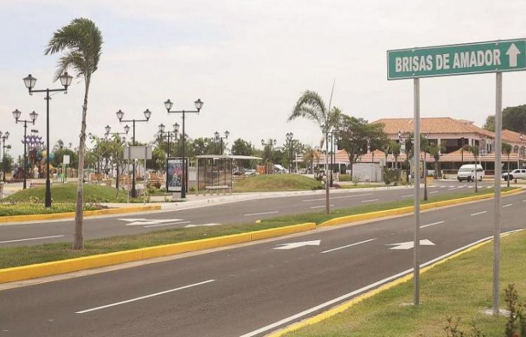 Cobrarán estacionamientos en Isla Perico