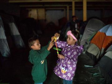 Caravana migrante se aferra al sueño gringo
