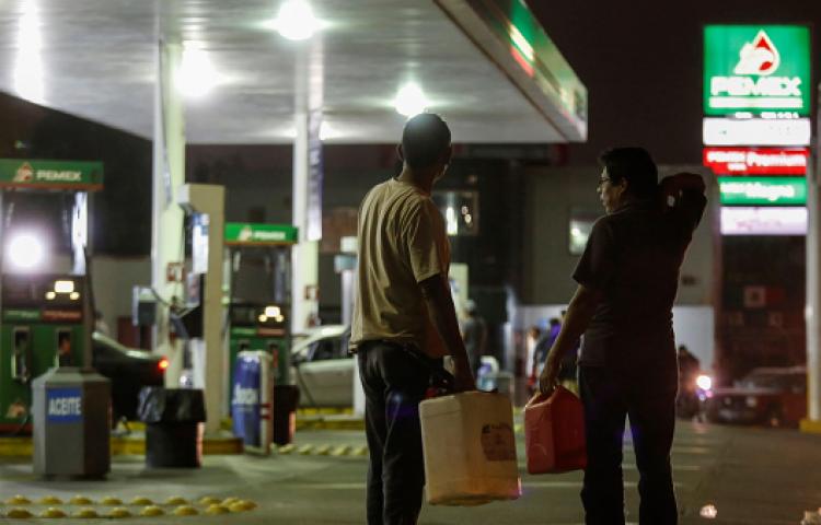 López Obrador pide apoyo a población para denunciar a quienes roban gasolina