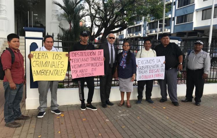 Protestan en la Procuraduría por la tala indiscriminada en la Comarca Emberá