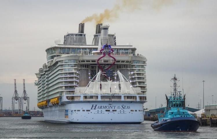 Joven fallece al caer del balcón de un crucerode Royal Caribbean