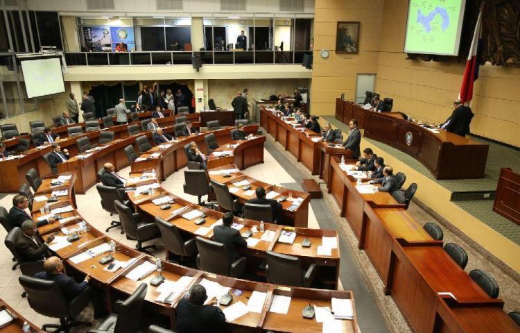 Parlamento panameño retomará próxima semana la tipificación de evasión fiscal