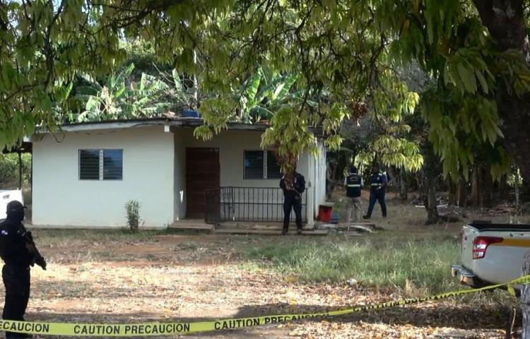 Encuentran cuerpo enterrado en una casa en Veraguas