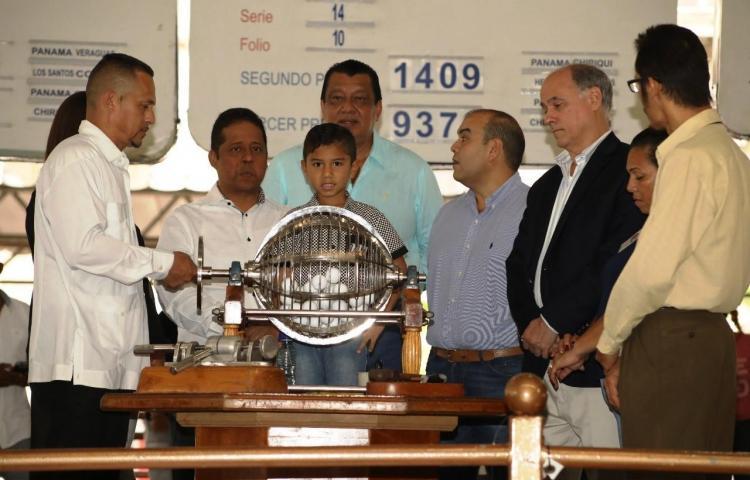 Mañana celebrarán el sorteo dominical de la Lotería