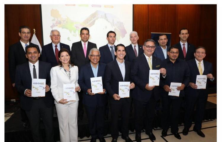 Empresariospanameños entregan propuestas políticas a candidatos presidenciales