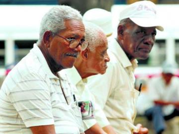 Jubilados quieren más aumentos