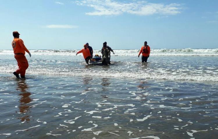 Ubican cadáver del desaparecido, en playa Las Lajas