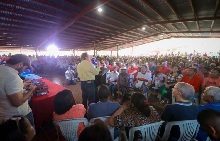 Más de 2.500 personas reciben a Cortizo en Arraiján