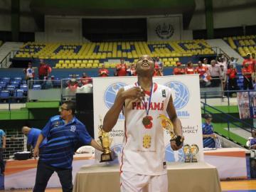 Del Abel Bravo en Colón, hacia la Academia de la NBA