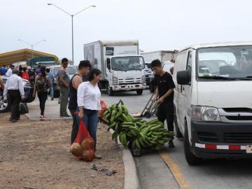 Vendedores bloquearon entrada al Merca Panamá