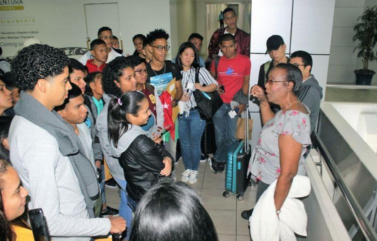 Estudiantes viajan a EE.UU. y Reino Unido