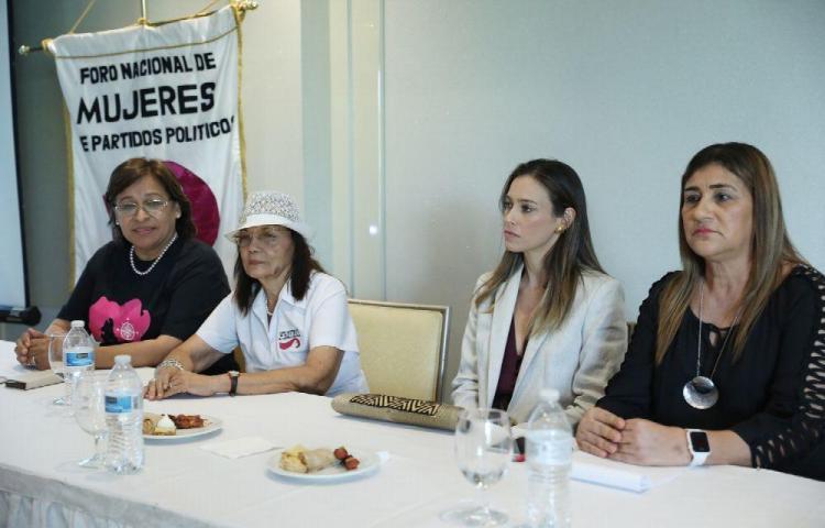 Presentarán ley para proteger a mujeres de la 'violencia política'