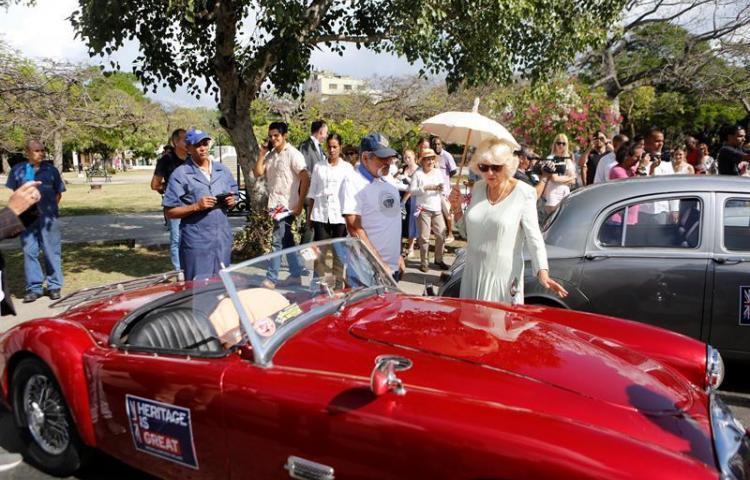 Así gozan el príncipe Carlos y su esposa Camila su visita a Cuba