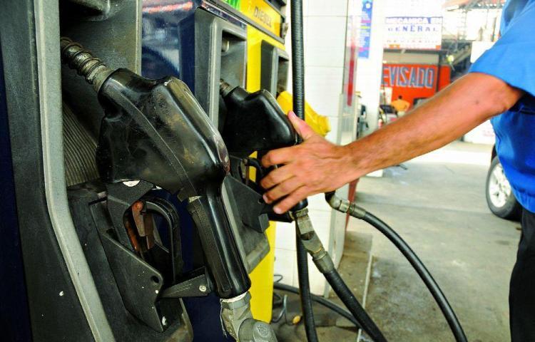 Sube la gasolina de 95 y 91 octanos